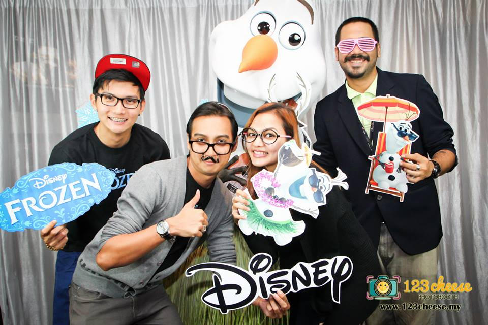 Photobooth – Frozen Screening